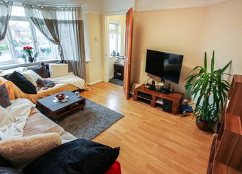 Thumbnail 2 bedroom maisonette to rent in Warwick Road, Thames Ditton