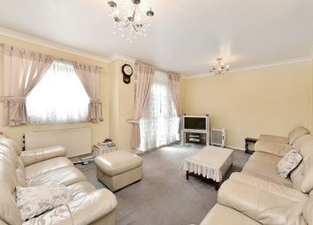 Thumbnail 3 bedroom flat for sale in Frampton Park Road, London