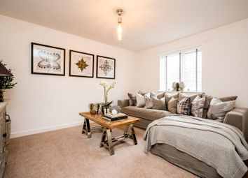 Thumbnail 2 bed flat for sale in Gold Hill North, Chalfont St. Peter, Gerrards Cross