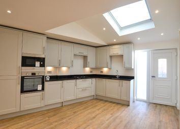 Thumbnail 2 bedroom flat for sale in Finchley Road, Childs Hill, London