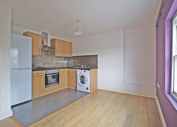 2 bed flat to rent in Goldington Road, Bedford MK40