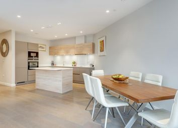 Thumbnail 3 bed flat to rent in Devonshire Place, Childs Hill