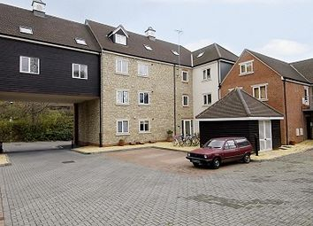 Thumbnail 2 bed flat to rent in Linacre Court, Headington
