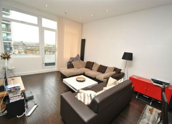 Thumbnail 4 bed flat to rent in Ballards Lane, North Finchley