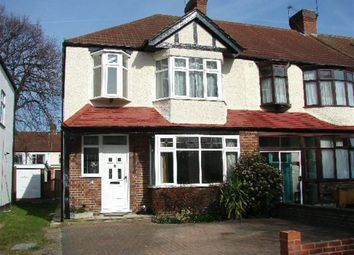 Thumbnail 3 bed property to rent in Oakway, London
