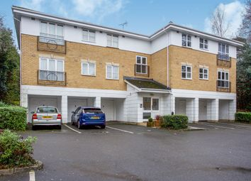 2 bed property to rent in Old Bracknell Lane East, Bracknell RG12