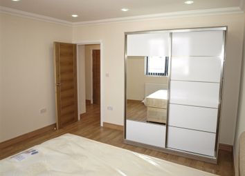 Thumbnail 1 bed flat to rent in Stoke Newington Road, London, Dalston Junction
