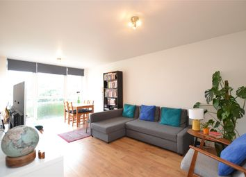 Thumbnail 2 bed flat to rent in Lyonsdown Road, Barnet, Hertfordshire