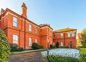 2 bed flat for sale in Richmond Drive, Repton Park, Woodford Green IG8