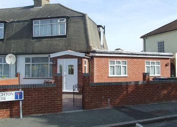 Thumbnail Property to rent in Leighton Close, Edgware