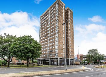Thumbnail 2 bed flat for sale in Leeds