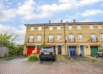 Thumbnail 4 bed property for sale in Pembroke Drive, Aveley, South Ockendon