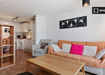 2 bed property to rent in Mackintosh Lane, London E9