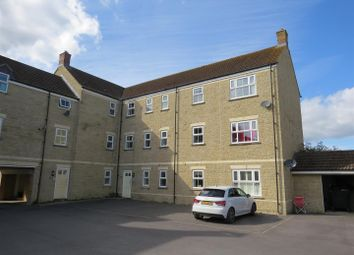 Thumbnail 2 bed flat for sale in Linnet Road, Calne