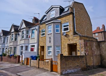 Thumbnail 2 bed detached house to rent in Ethnard Road, Peckham