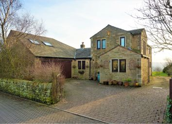 Thumbnail 5 bed detached house for sale in Becketts Close, Hebden Bridge