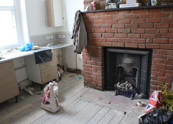 Thumbnail 2 bedroom flat to rent in High Road, Goodmayes