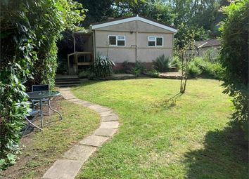 Thumbnail 2 bed mobile/park home for sale in Turners Hill Park, Turners Hill, West Sussex
