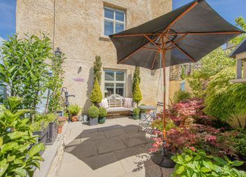Close Gardens, Tetbury GL8. 5 bed town house for sale
