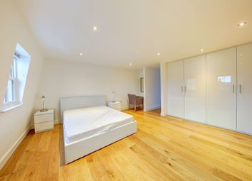 Thumbnail 2 bedroom flat to rent in Kimbell Gardens, Fulham, London