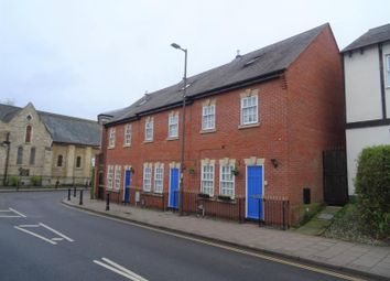 3 bed town house to rent in St. Cuthberts Street, Bedford MK40