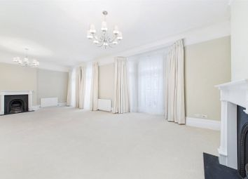 Thumbnail 4 bed flat to rent in Gloucester Road, South Kensington, London