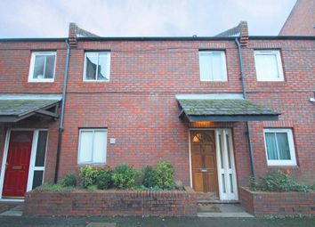 2 bed property to rent in Clement Close, London W4