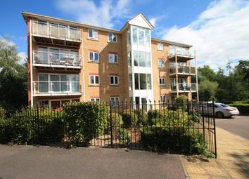 Thumbnail 2 bedroom flat to rent in Foxglove Way, Luton