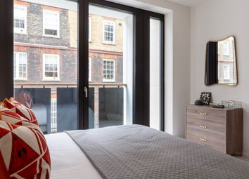 Thumbnail 1 bed flat for sale in Lincoln Square, Covent Garden