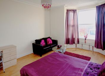 Thumbnail 1 bed flat to rent in Flat 3, 98 Burley Road, Burley