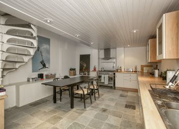 Thumbnail 3 bed flat for sale in Wandsworth Bridge Road, London