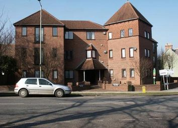 Thumbnail 2 bed flat to rent in Newbury House, Kimbolton Road