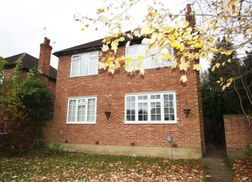 Thumbnail 3 bedroom flat to rent in Woodlands Ave, West Byfleet