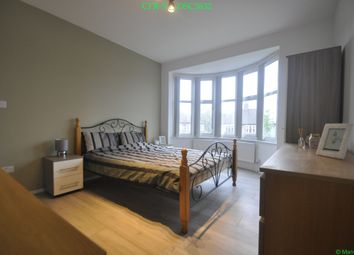 Thumbnail Room to rent in Chapel Farm Road, London