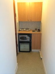 Thumbnail Studio to rent in Somers Road, Southsea