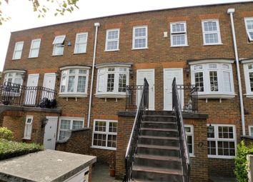 2 bed maisonette to rent in Gainsborough Square, Bexleyheath DA6