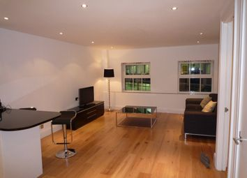 Thumbnail 1 bed flat to rent in Barlow Place, London