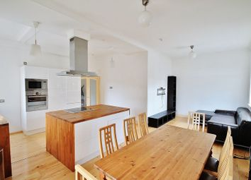 Thumbnail 2 bedroom flat to rent in Riverway House, Westferry Road, London