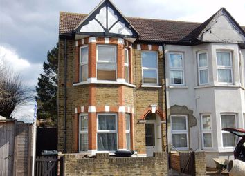 2 bed maisonette to rent in Ellison Gardens, Southall, Middlesex UB2