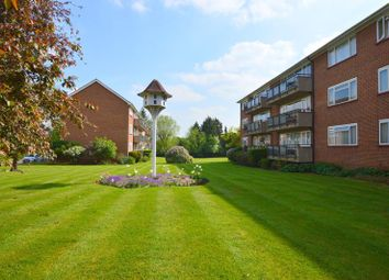 2 bed flat to rent in Dove Park, Pinner HA5