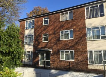 Thumbnail 2 bed flat to rent in Silverdale Road, Southampton