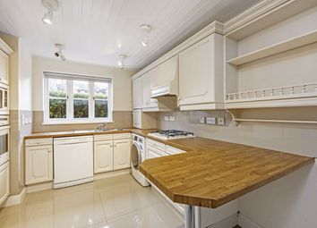 4 bed property to rent in Hurlingham Square, Fulham SW6