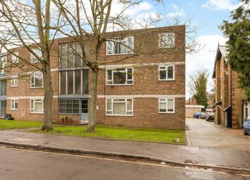 Thumbnail 2 bed flat to rent in Princes Road, Weybridge