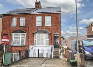 Thumbnail 1 bed maisonette to rent in Earlsbrook Road, Redhill