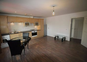 Thumbnail 1 bed flat to rent in Longwood Avenue, Langley, Slough