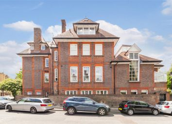Thumbnail 2 bedroom flat to rent in Hampstead Hill Gardens, Hampstead
