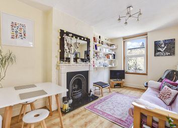 Thumbnail 2 bed flat to rent in Fleet Road, Belsize Park, London