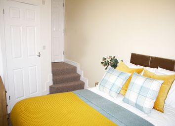 Thumbnail Room to rent in Room 2, Glyn Avenue