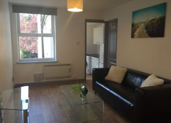 Thumbnail 1 bed flat to rent in Russell Street, Luton, Bedfordshire