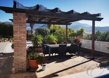 Thumbnail Villa for sale in Viñuela, Axarquia, Andalusia, Spain